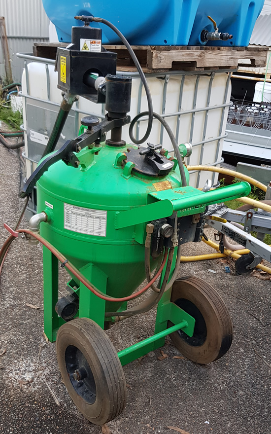 Dustless Blasting DB500 Wet Abrasive Blasting Machine